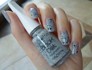 Лак для ногтей Flormar Black Dot